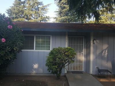 Clovis Multi Family Home For Sale: 1527 Lind Avenue