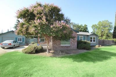 Visalia Single Family Home For Sale: 1929 E Tulare Avenue