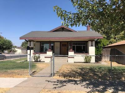 Madera Single Family Home For Sale: 225 N A Street