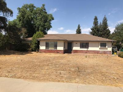 Fowler CA Single Family Home For Sale: $285,000