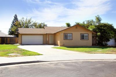 Clovis Single Family Home For Sale: 445 Cherry Lane