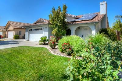 Madera Single Family Home For Sale: 2917 Gamay Avenue