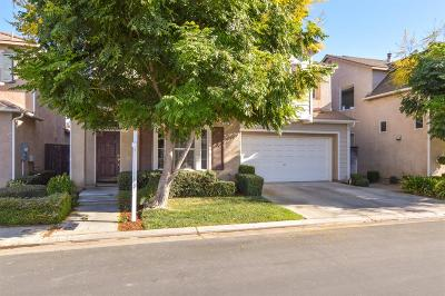 Clovis Single Family Home For Sale: 631 W Venice Lane