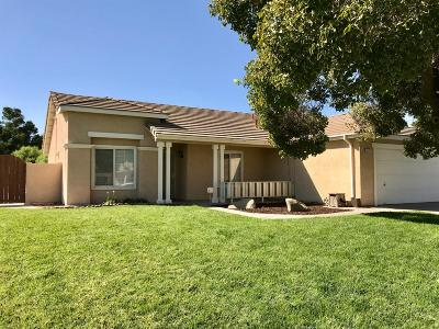 Hanford Single Family Home For Sale: 3123 Fairmont Drive