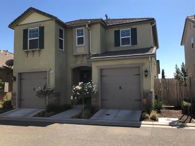 Clovis Single Family Home For Sale: 3522 Journey Way