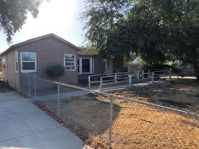 Visalia Single Family Home For Sale: 710 S Chinowth Street