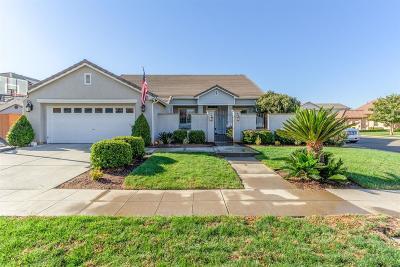 Clovis Single Family Home For Sale: 3220 Serena Avenue