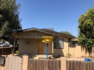 Dinuba Single Family Home For Sale: 1525 E Marion Way