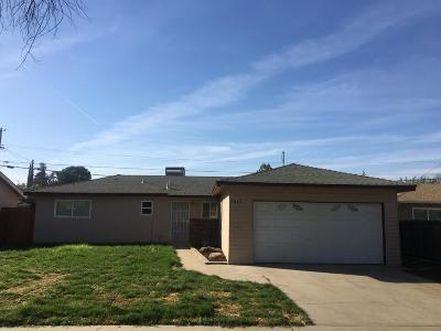 Single Family Home For Sale: 3842 E Ashcroft Avenue