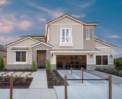 Clovis Single Family Home For Sale: 3945 Ramona Avenue