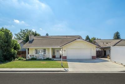 Kingsburg CA Single Family Home For Sale: $275,000
