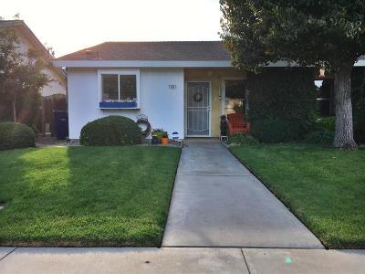 Kingsburg Single Family Home For Sale: 1181 S 5th Avenue