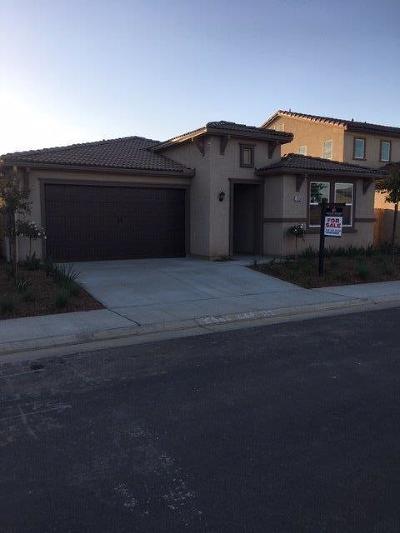 Clovis Single Family Home For Sale: 3556 Cordova Avenue
