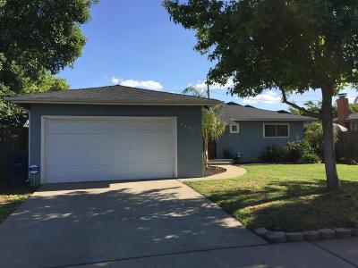 Single Family Home For Sale: 4442 E Ashcroft Avenue