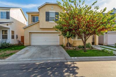 Clovis Single Family Home For Sale: 46 W Siena Lane