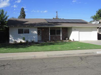 Selma CA Single Family Home For Sale: $230,000