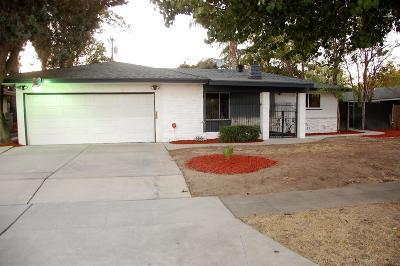 Single Family Home For Sale: 2631 N Barton Avenue