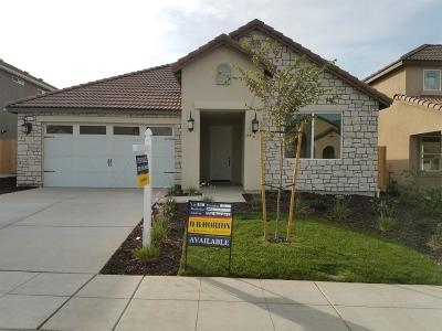 Madera Single Family Home For Sale: 556 Alpine Way #88