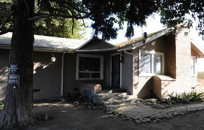 Kingsburg Single Family Home For Sale: 1075 S 5th Avenue