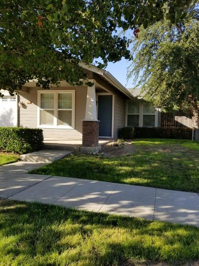 Reedley Single Family Home For Sale: 298 W Lilac Avenue