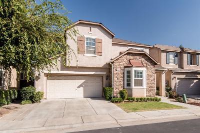 Clovis Single Family Home For Sale: 1833 N Miramar Lane