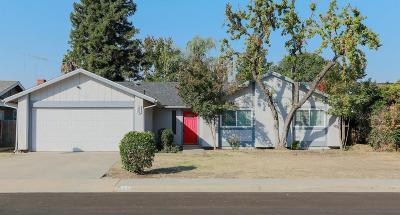 Visalia Single Family Home For Sale: 845 S Julieann Street