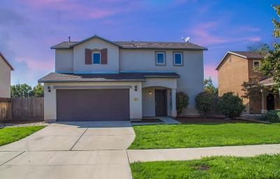 Visalia Single Family Home For Sale: 301 S Sol Court