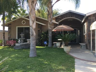 Dinuba Single Family Home For Sale: 555 N Lyndsay Way