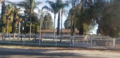 Fresno Single Family Home For Sale: 1701 E American Avenue