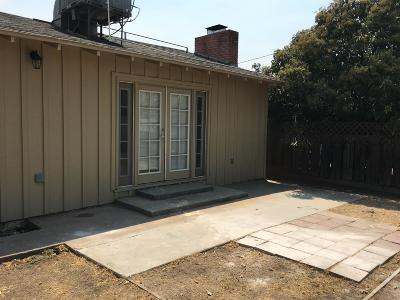 Visalia Single Family Home For Sale: 2404 W Pecan Court