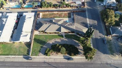 Reedley Single Family Home For Sale: 864 E Dinuba Avenue
