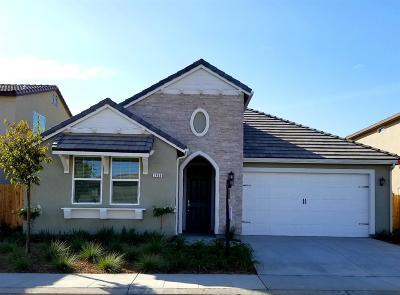 Clovis Single Family Home For Sale: 3468 El Molino Avenue
