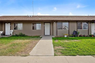 Dinuba Multi Family Home For Sale: 404 S M Street