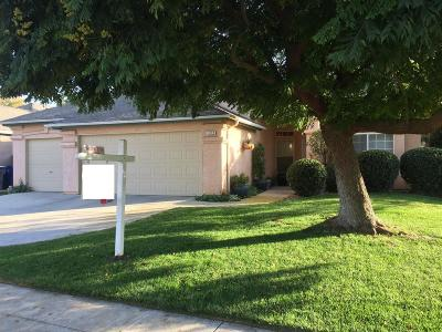 Clovis Single Family Home For Sale: 322 W Kelly Avenue