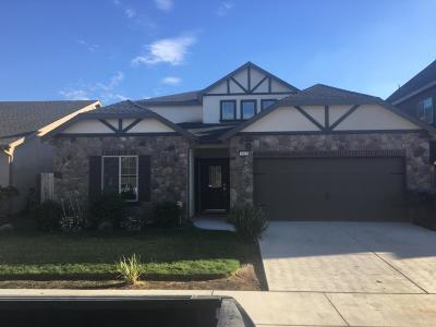 Hanford Single Family Home For Sale: 1923 W Humboldt Drive