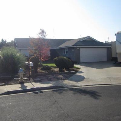 Dinuba Single Family Home For Sale: 779 N Nichols Avenue