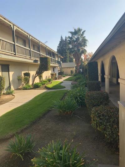 Fresno Condo/Townhouse For Sale: 4002 E Dakota Avenue #204