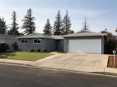 Clovis Single Family Home For Sale: 2356 Acacia Avenue