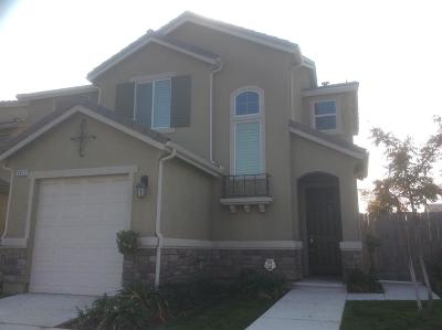 Fresno Single Family Home For Sale: 2073 E Christensen Drive