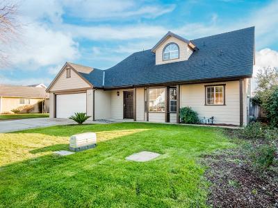Single Family Home For Sale: 2031 E Cromwell Avenue