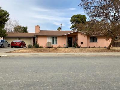 Coalinga Single Family Home For Sale: 215 E Cherry Lane