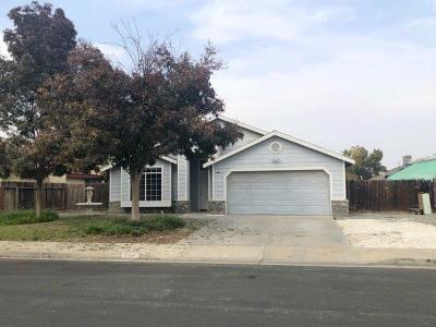 Hanford Single Family Home For Sale: 884 Davinci Street