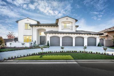 Fresno Single Family Home For Sale: 2437 E Strathmore Place