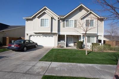 Reedley Single Family Home For Sale: 288 E Shoemake Avenue