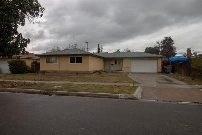 Single Family Home For Sale: 4585 E Fedora Avenue