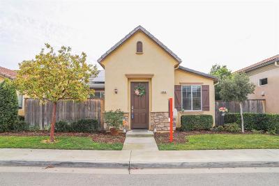 Clovis Single Family Home For Sale: 3944 Heritage Avenue
