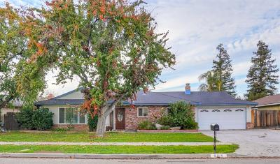 Single Family Home For Sale: 2316 E Los Altos Avenue