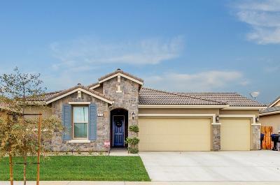 Visalia Single Family Home For Sale: 3213 N Elm Street