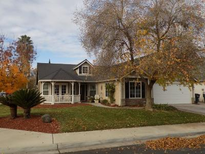 Hanford Single Family Home For Sale: 3034 Plum Lane