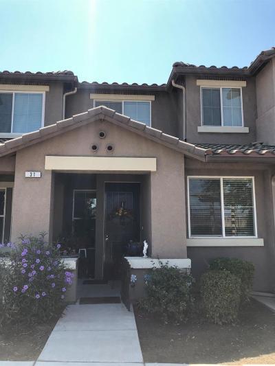 Fowler Condo/Townhouse For Sale: 1170 W Walter Avenue #31